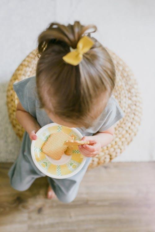 Pyszna Wigilia dla najmłodszych: 4 pomysły na potrawy wigilijne dla dzieci